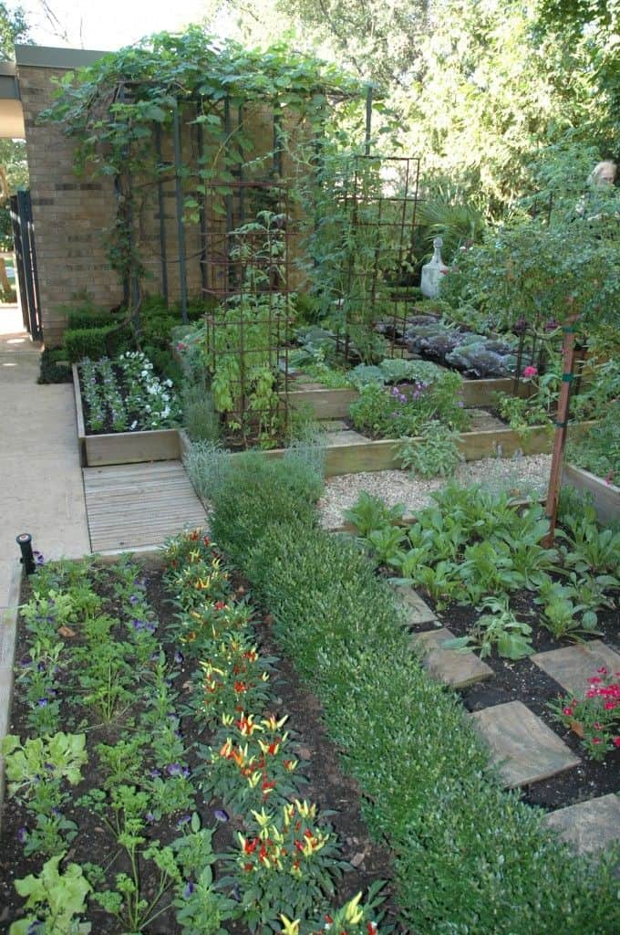 Beautiful vegetable garden design for Stunning garden designs