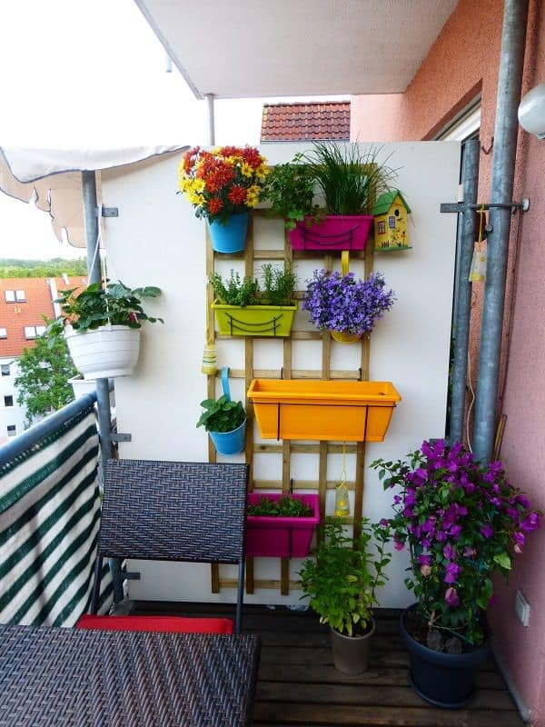 Small vertical balcony garden ideas