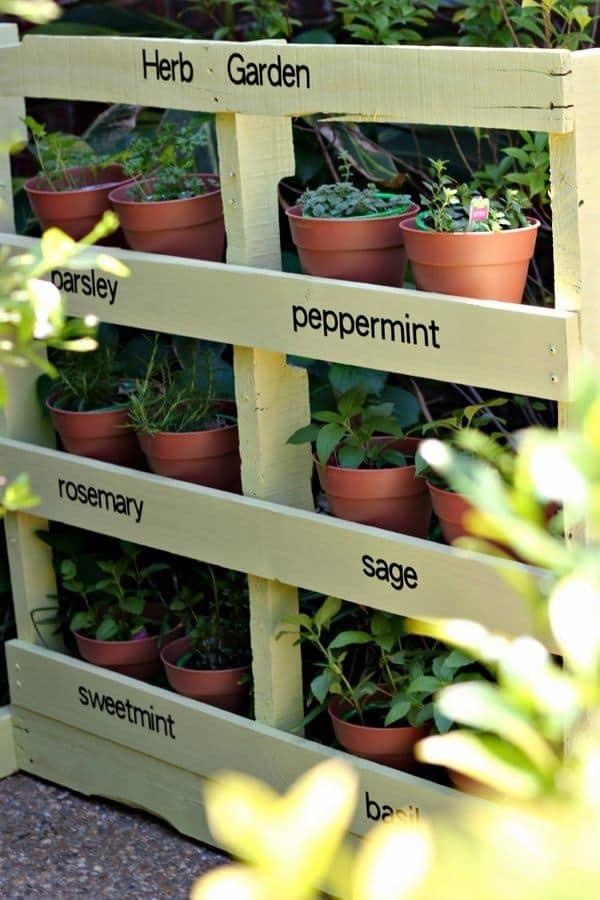 DIY Vertical Pallet Planter Garden
