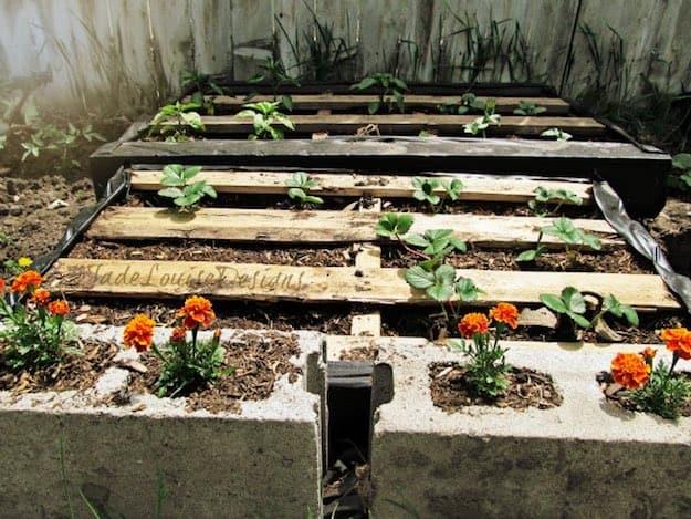 Raised Pallet Planter Garden