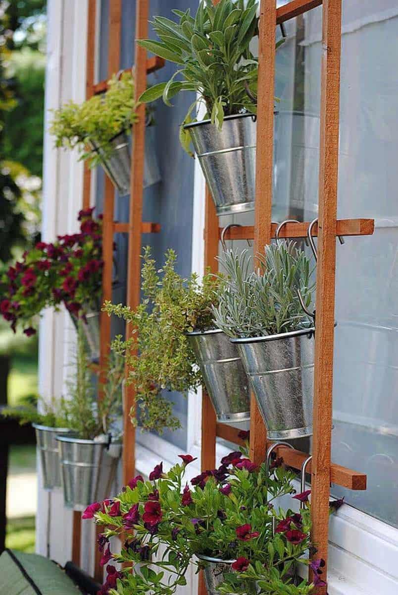 Simple Summertime Vertical Trellis Garden ideas