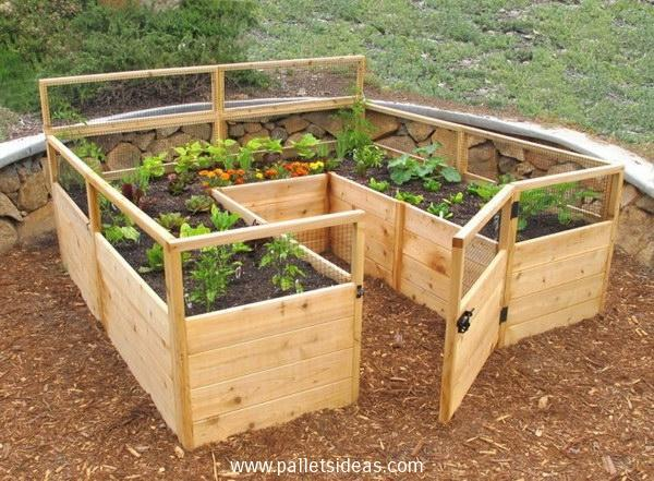 The U-Shaped Pallet Planter Raised Bed