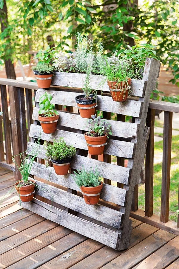 Verti-Cool Plant Display Pallet Planter