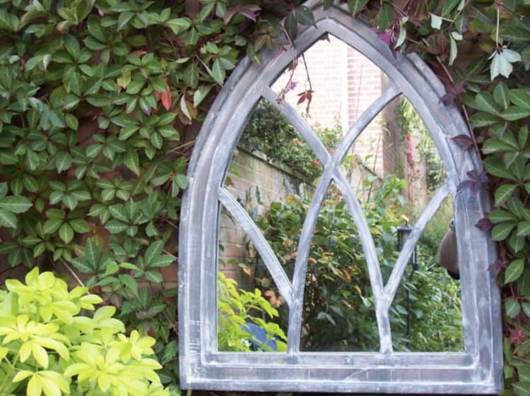 Fascinating garden mirrors ideas morflora for Outdoor mirror ideas